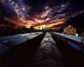 Обои Поезда уходят на закат: Закат, Поезда, депо, Разное