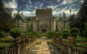 Обои Старинный замок: Деревья, Сад, Замок, Терраса, Замки