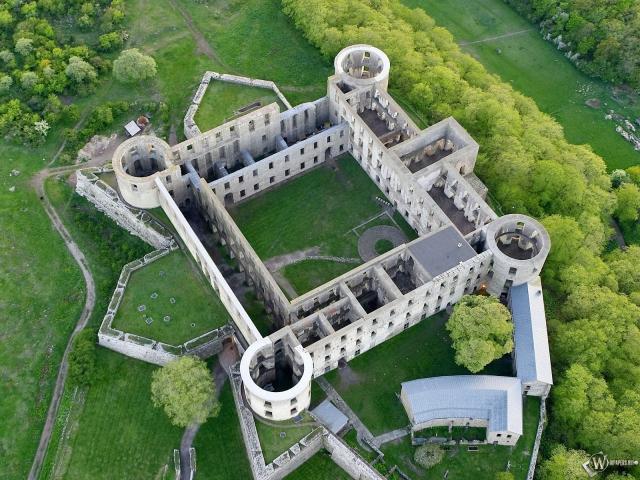 Замок вид с верху