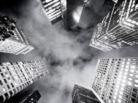Обои Черно-белые небоскребы: Небоскрёбы, Здания, Чёрно-белая, Небоскрёбы