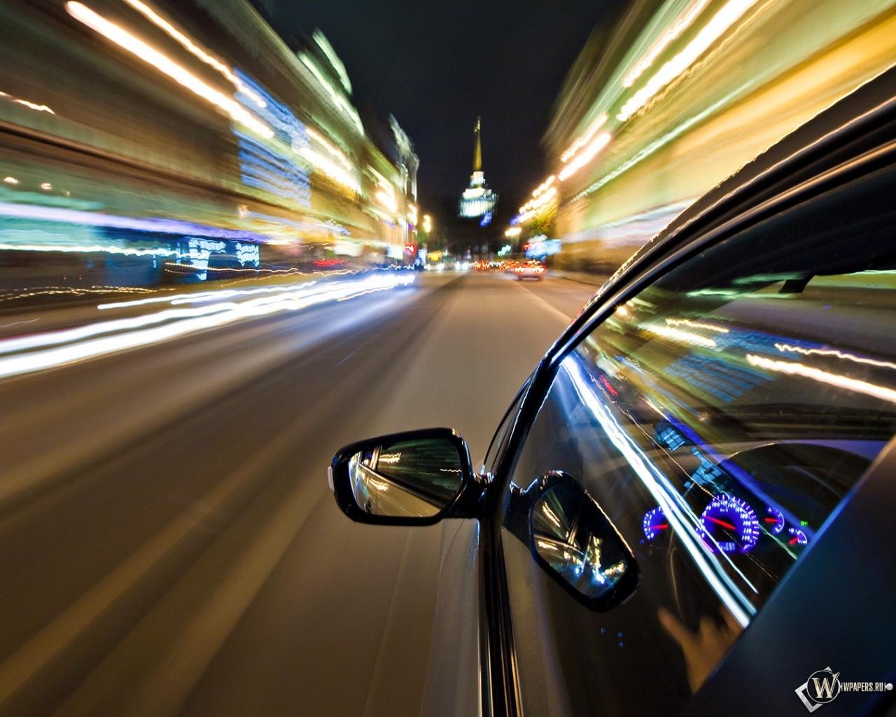 Ночной город из окна машины
