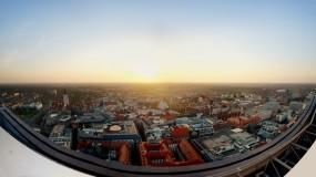Обои Панорама с крыши: Город, Солнце, Панорама, Крыши, Города