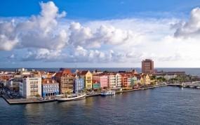 Обои Отель Curacao: Река, Город, Причал, Корабль, Дома, Улица, Города