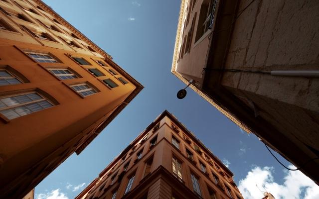 Город и небо