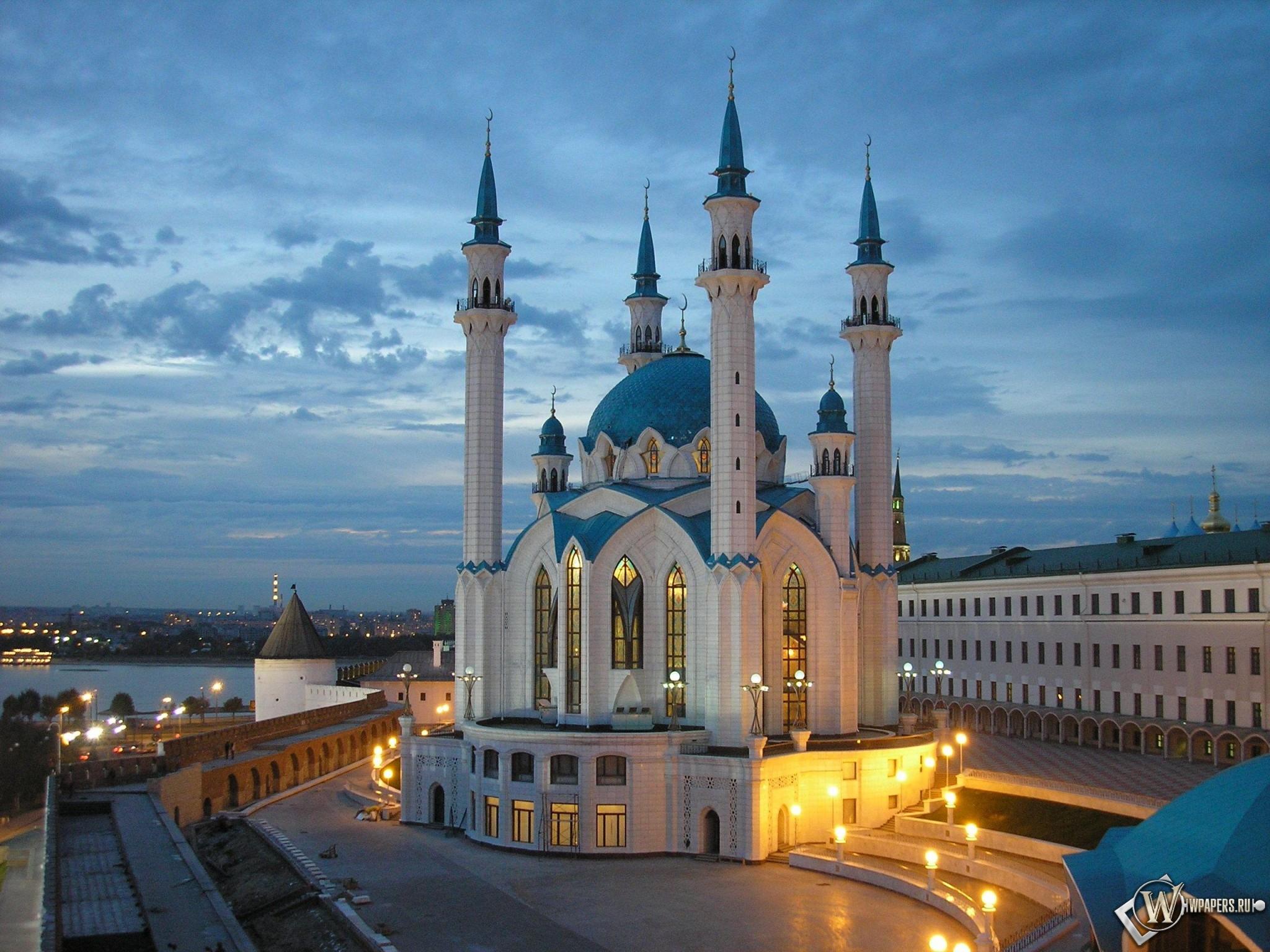 Неравный бой продолжается несколько суток...  Казань Завораживающая, восточная красота!