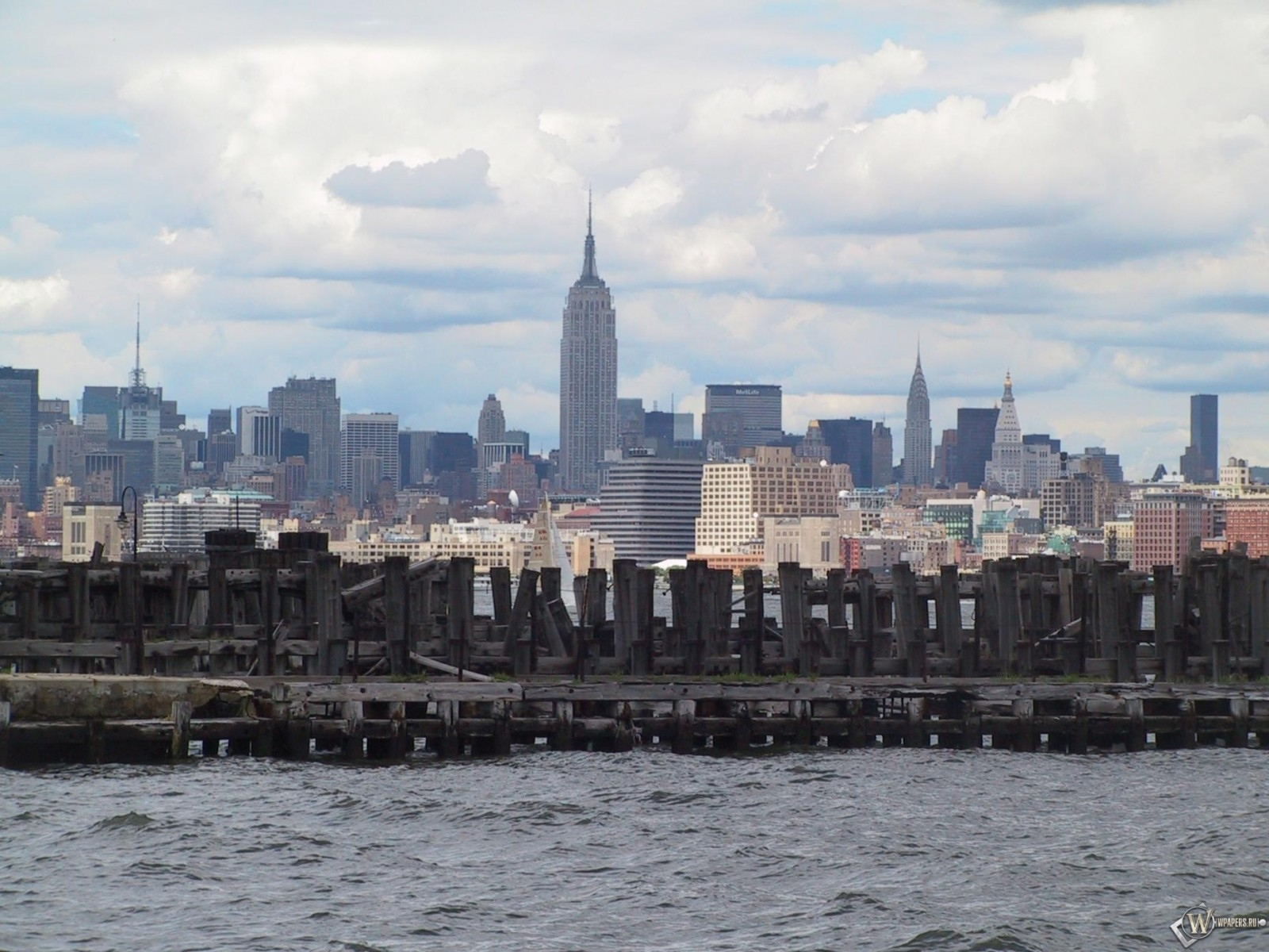 New York 12 1600x1200