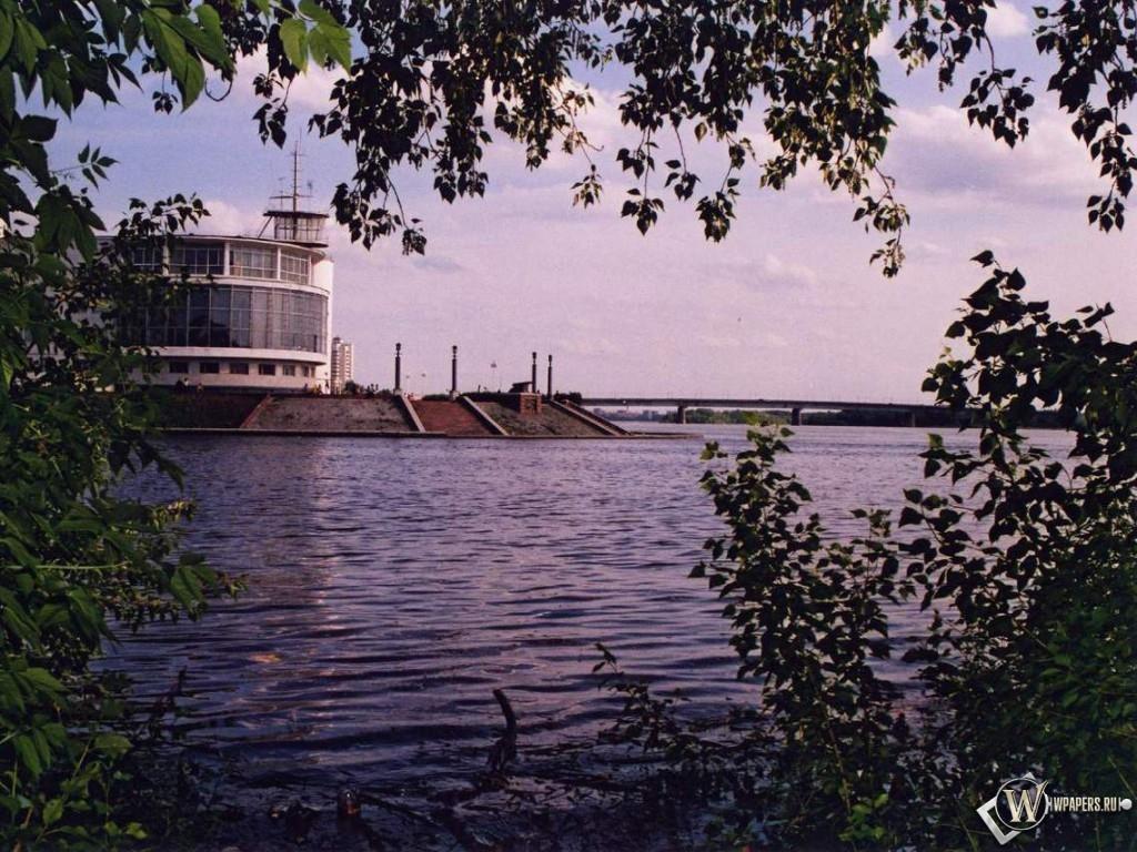 Омск - Река 1024x768