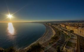 Обои Городское побережье: Город, Берег, Небо, Прочие города