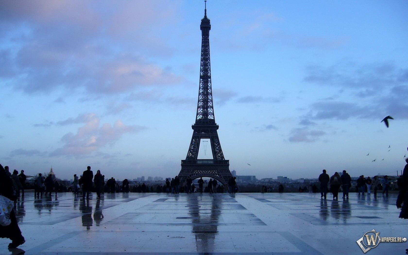Эйфелева башня 1680x1050