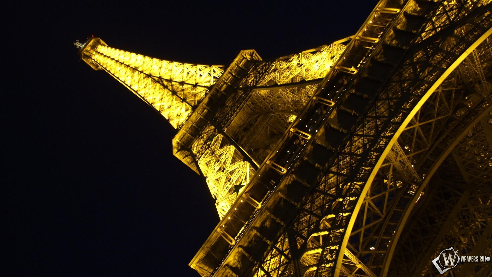 Обои эйфелева башня ночью на рабочий
