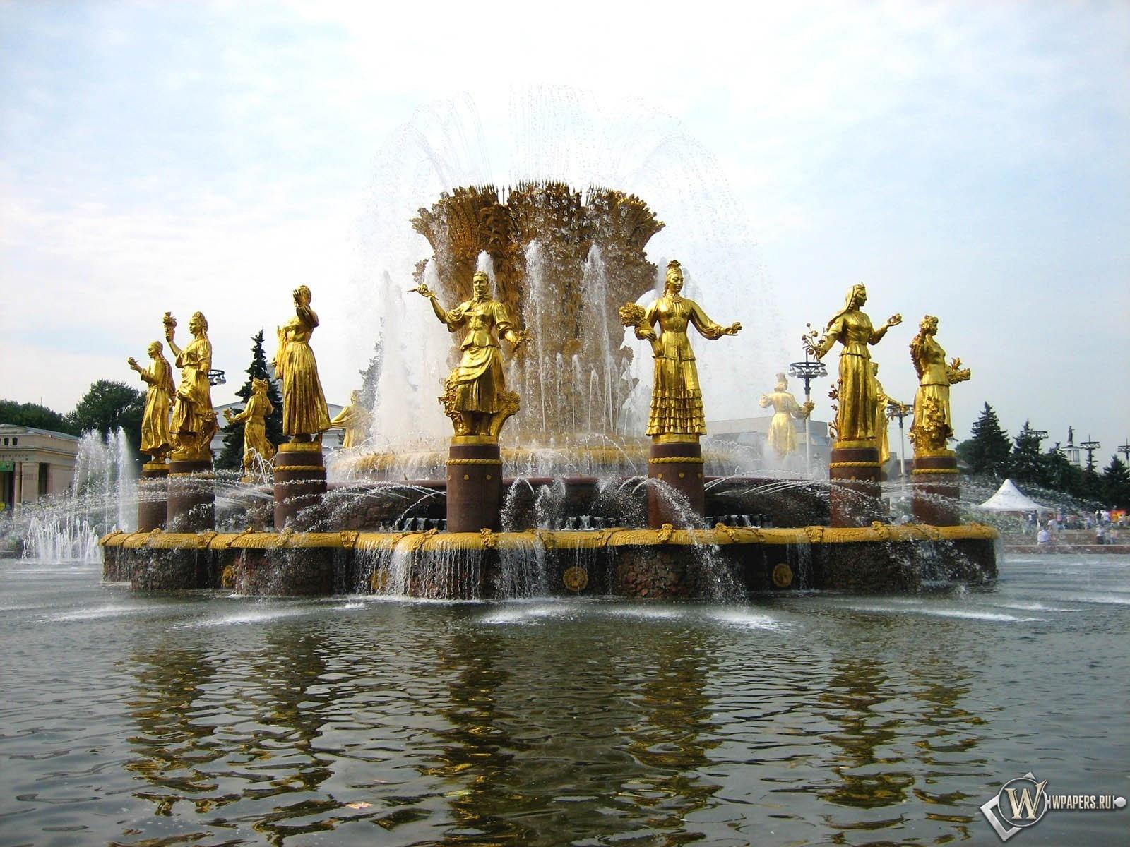Фонтан в Санкт-Петербурге 1600x1200