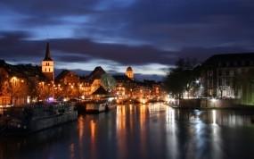 Обои Страсбург вечером: Огни, Река, Отражение, Страсбург, Города и вода