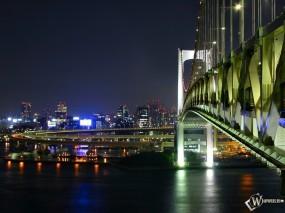 Обои Мост в ночной город: Ночной город, Мост, Города и вода