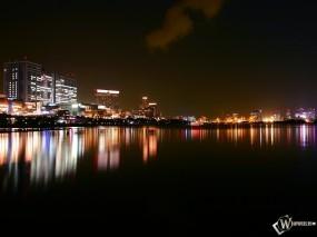 Обои Город ночью: Ночной город, Города и вода