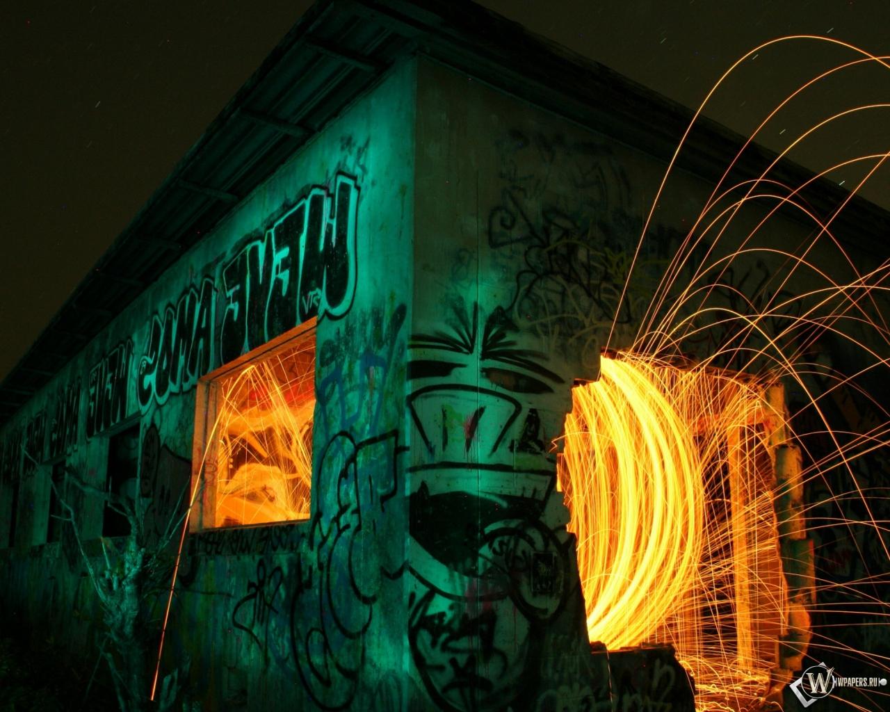 Ночь искры граффити 1280x1024 картинки