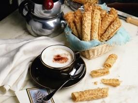 Обои Завтрак: Кофе, Стол, Вафли, Чашка, Ложка, Еда