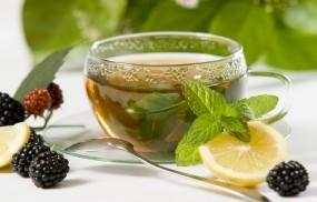 Обои Чай с лимоном и ягодами: Ягоды, Лимон, Мята, Чай, Натюрморт, Чашка, Ежевика, Еда