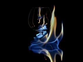 Обои Пылающий бокал: Пламя, Бокал, спирт, Алкоголь