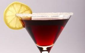 Обои Красный коктейль: Коктейль, Лимон, Алкоголь, Бокал, Алкоголь