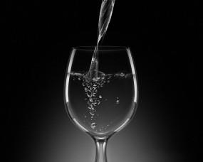 Обои Бокал с шампанским: Бокал, Шампанское, Пузыри, Алкоголь