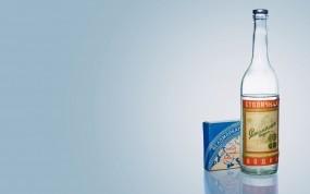 Обои Беломор и Столичная: Водка, Папиросы, Беломор, Столичная, Алкоголь