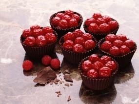 Обои Малиновые пирожные: Малина, Ягодки, Красный, Пирожное, Ягоды