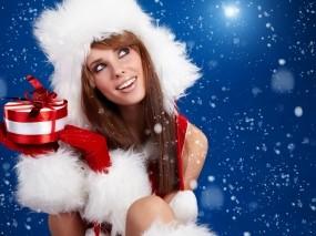 Обои Снегурочка с подарком: Снегурочка, Новый год, Подарок, Новый год