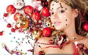 Обои Новогодняя девушка: Девушка, Звёзды, Новый год, Шары, Игрушки, Новый год