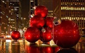 Обои Огромные елочные шары: Шарики, Шары, Праздник, New York, Новый год