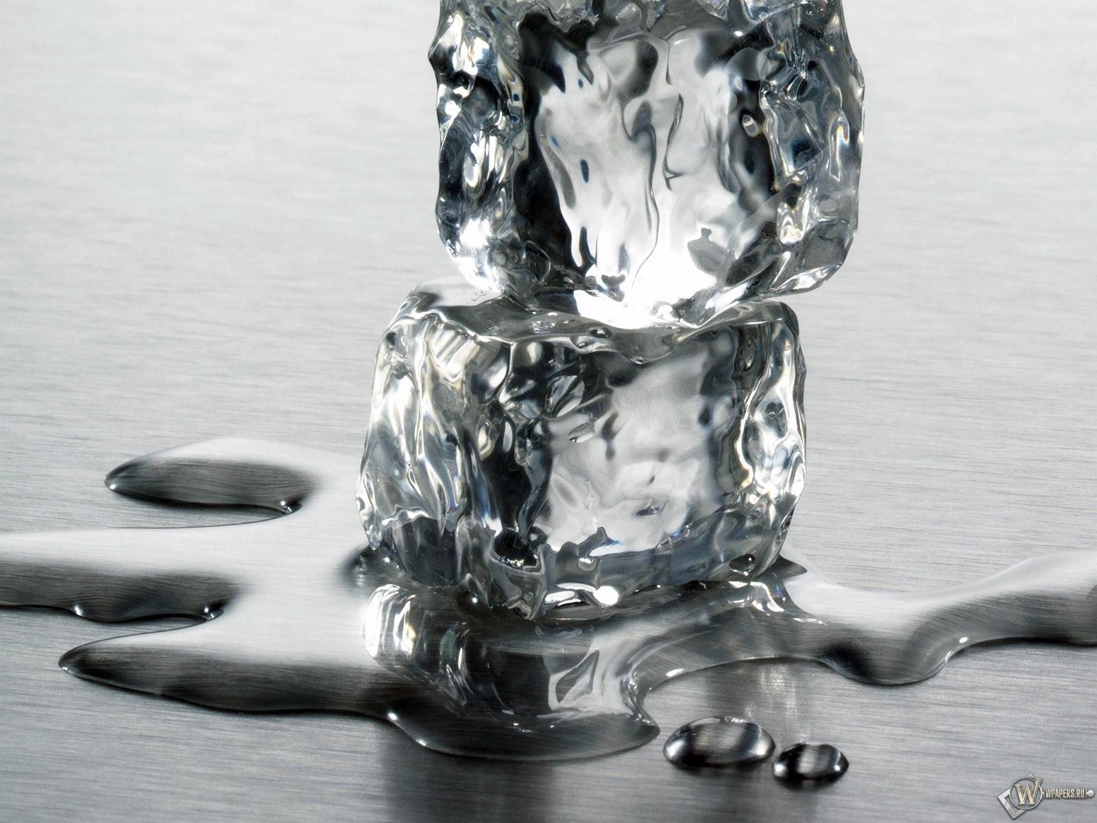 Два ледянных кубика 1600x1200