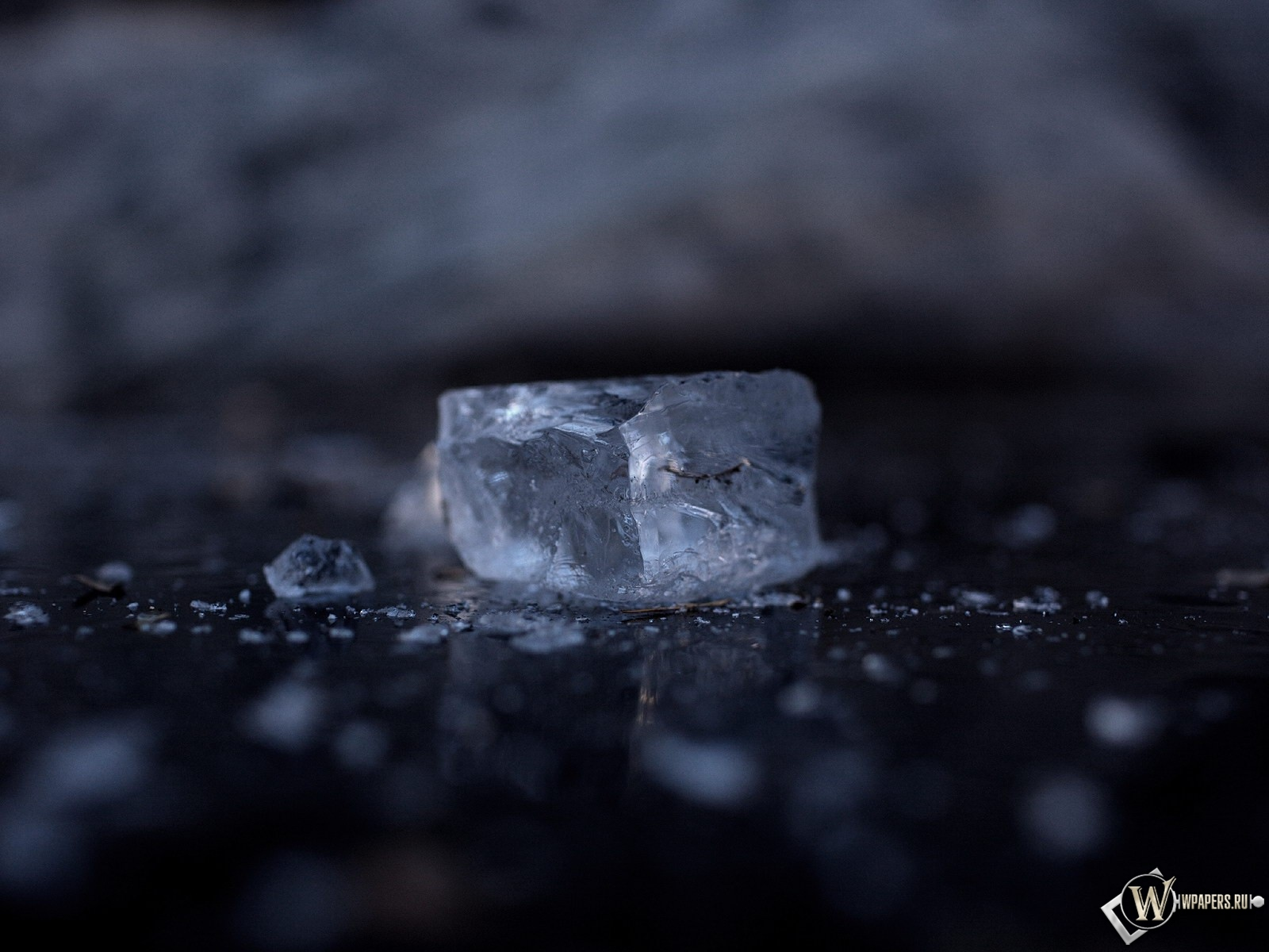 Кубик льда 1600x1200