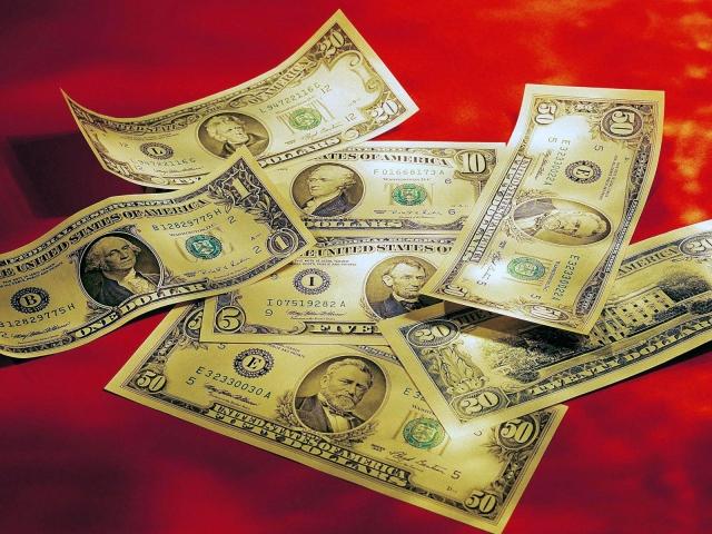 Доллары на красном сукне