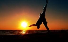 Обои Вечерняя гимнастика: Солнце, Закат, гимнастика, Настроения