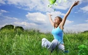 Обои Женское счастье: Девушка, Трава, Цветы, Настроения