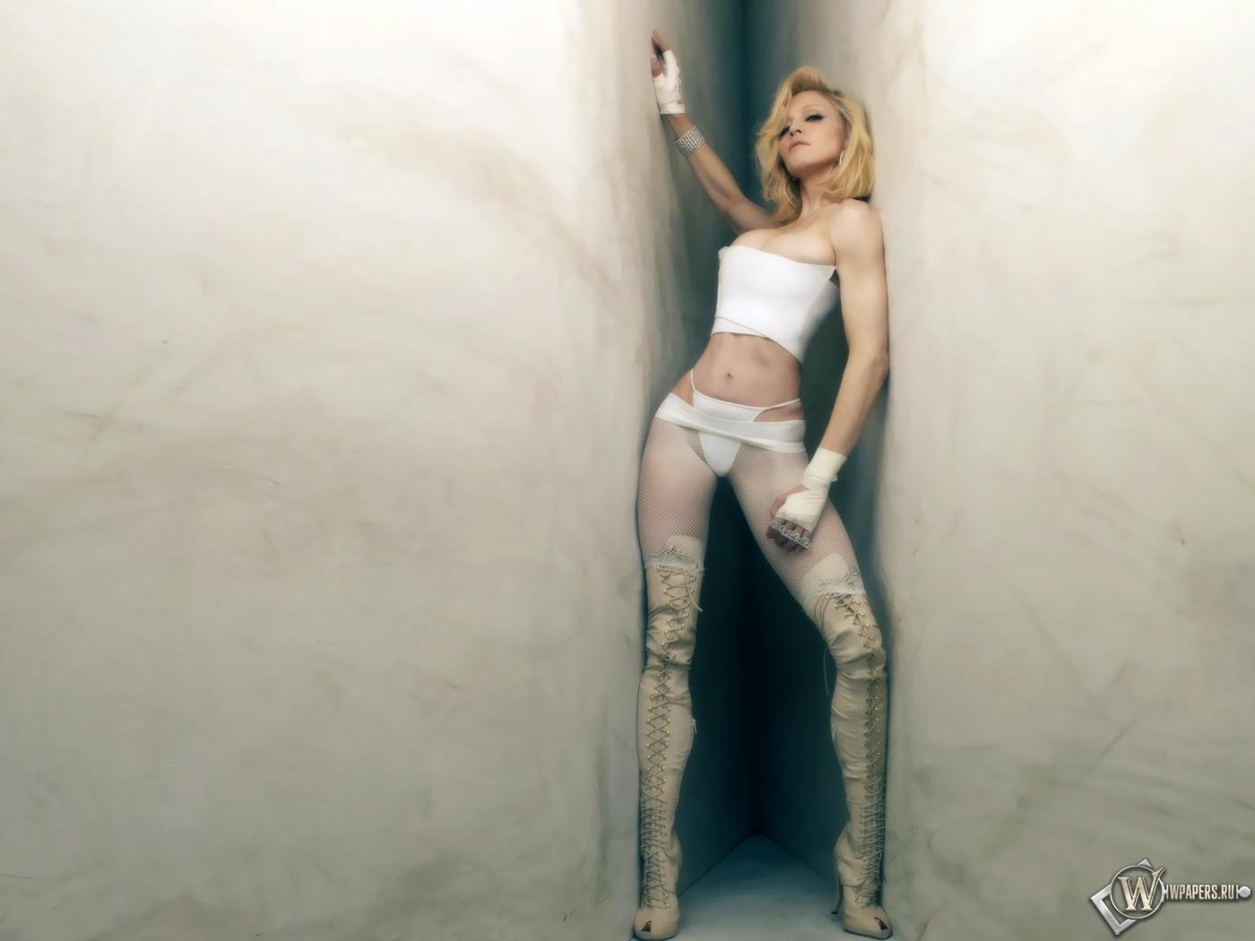 Смотреть фото бесплатно голые девушки звезды и певицы 9 фотография