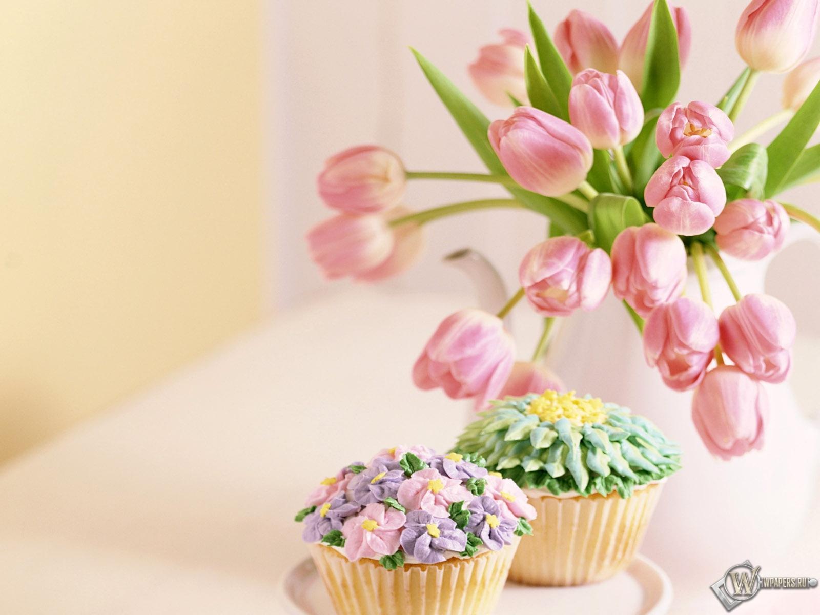 Тюльпаны и пирожные 1600x1200