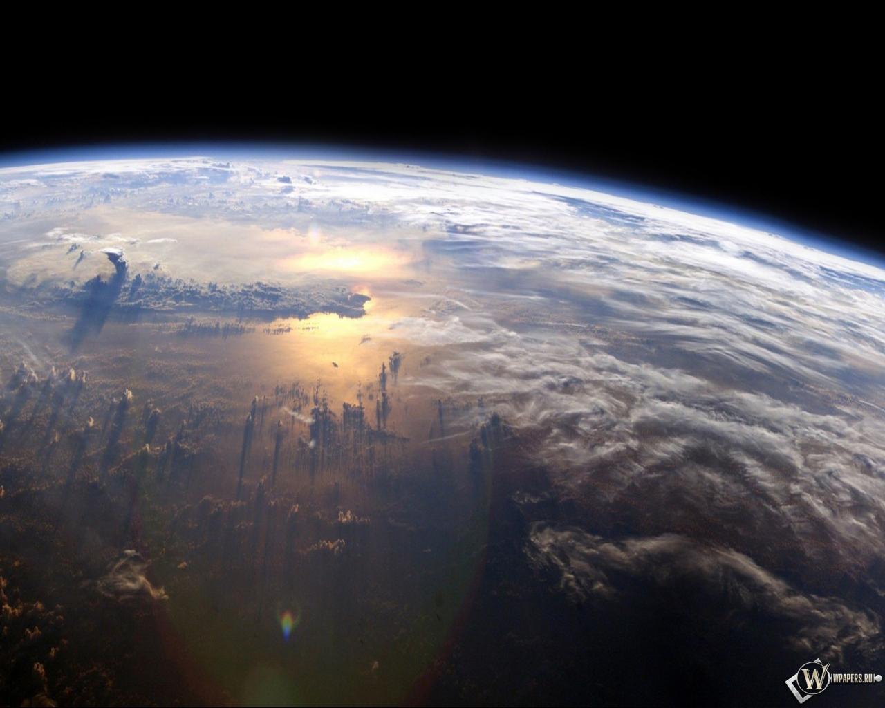 Обои земля из космоса на рабочий стол