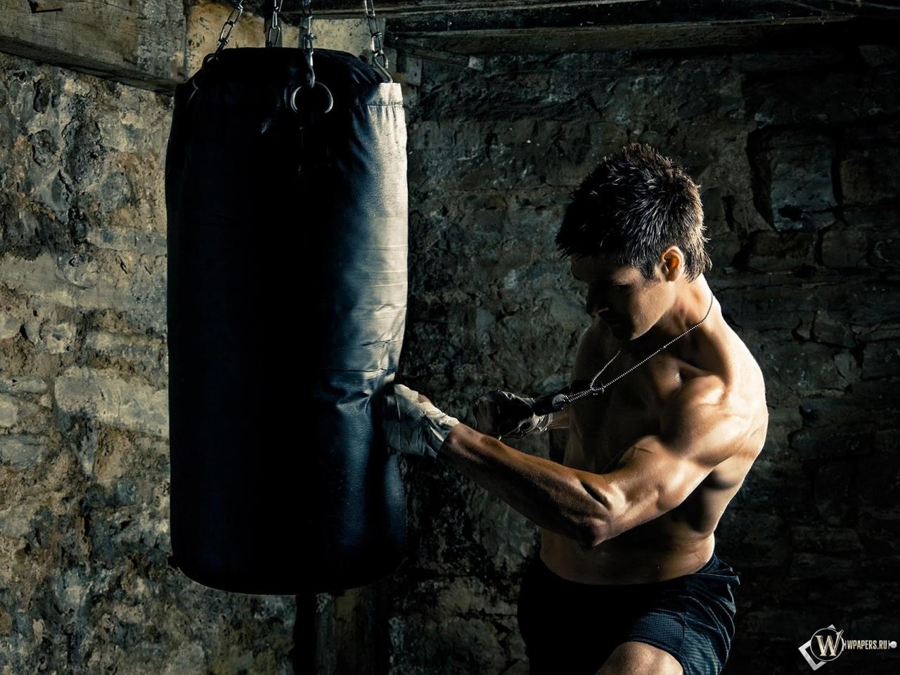 Обои боксер удар спорт бокс боксер