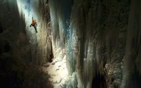 Обои Альпинист в пещере: Лёд, Спорт, Альпинист, Пещера, Спорт