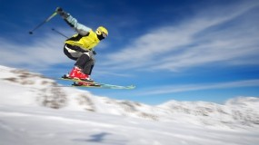 Обои Летящий лыжник: Полёт, Лыжник, Спорт