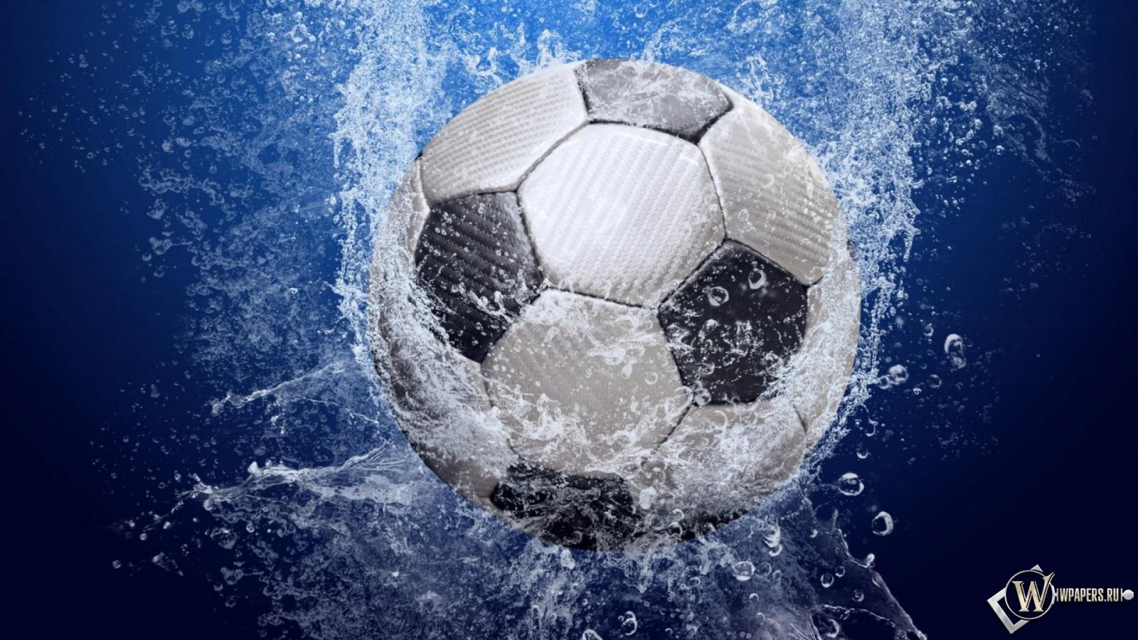 Мяч вода брызги спорт футбол мяч