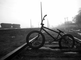 Обои BMX : Туман, Железная дорога, Велосипед, BMX, Спорт