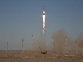 Обои Запуск ракеты Союз ТМА-16: Ракета, запуск, Оружие