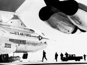 Обои Boeing B-52 Stratofortress: Турбина, Аэродром, Авиация