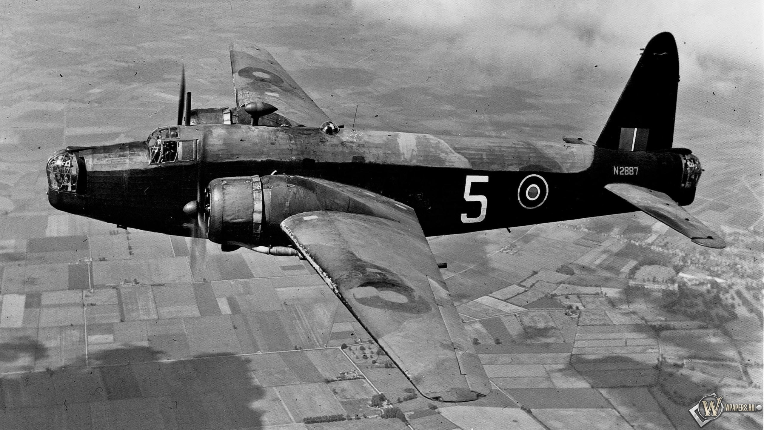 Виккерс Веллингтон - британский двухмоторный бомбардировщик 2560x1440