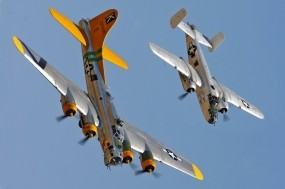 Обои American Boeing B-17 и B-25: Boeing, Самолеты