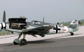 Обои Messerschmitt-Me-109G4: Messerschmitt, Самолеты