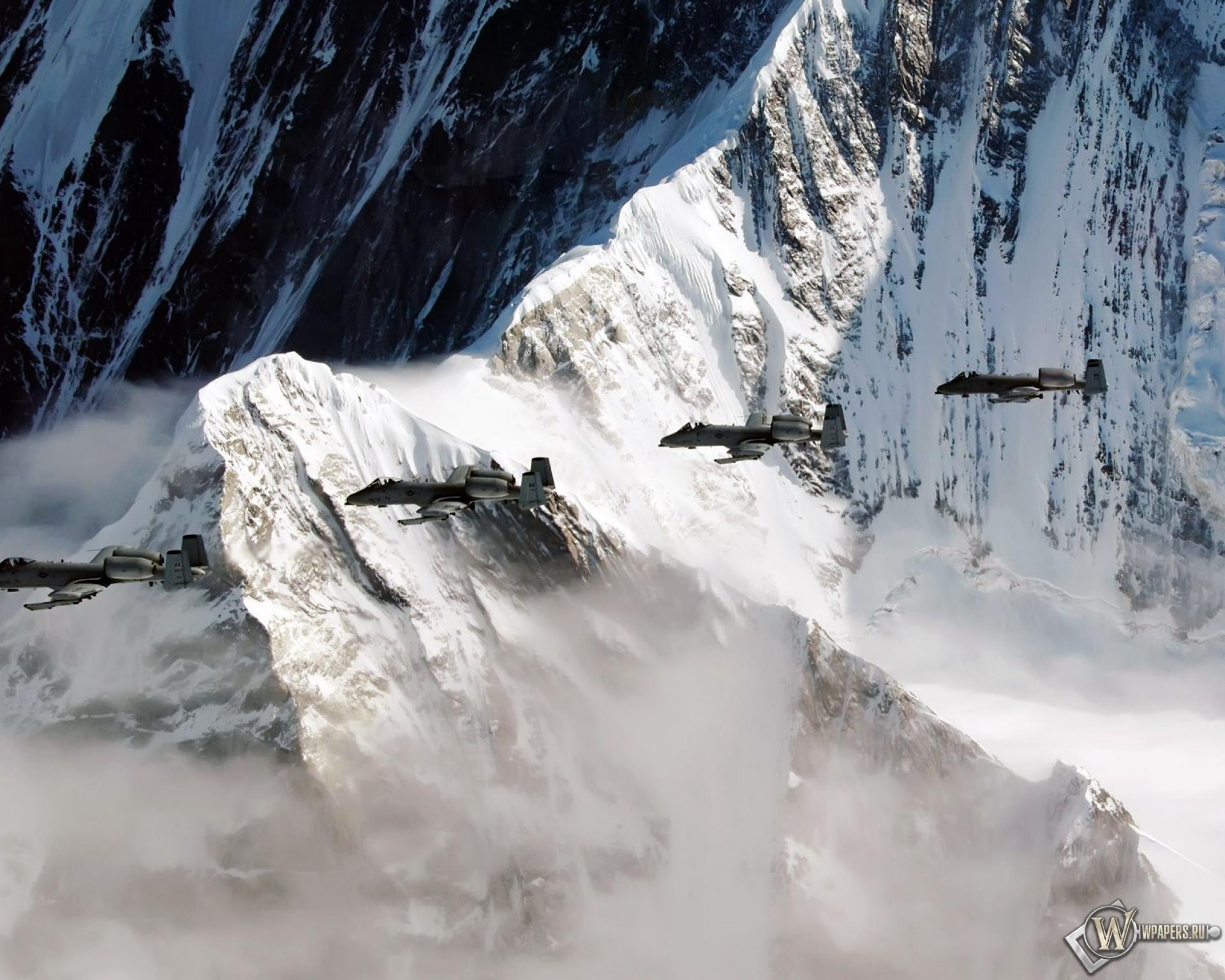 Alaska Range, Ruth Amphitheater, Alaska  № 1442171 бесплатно