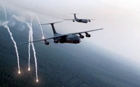 Обои Хелфаир из самолета: Хеллфайр, Самолёты, ИК-ловушки, Самолеты