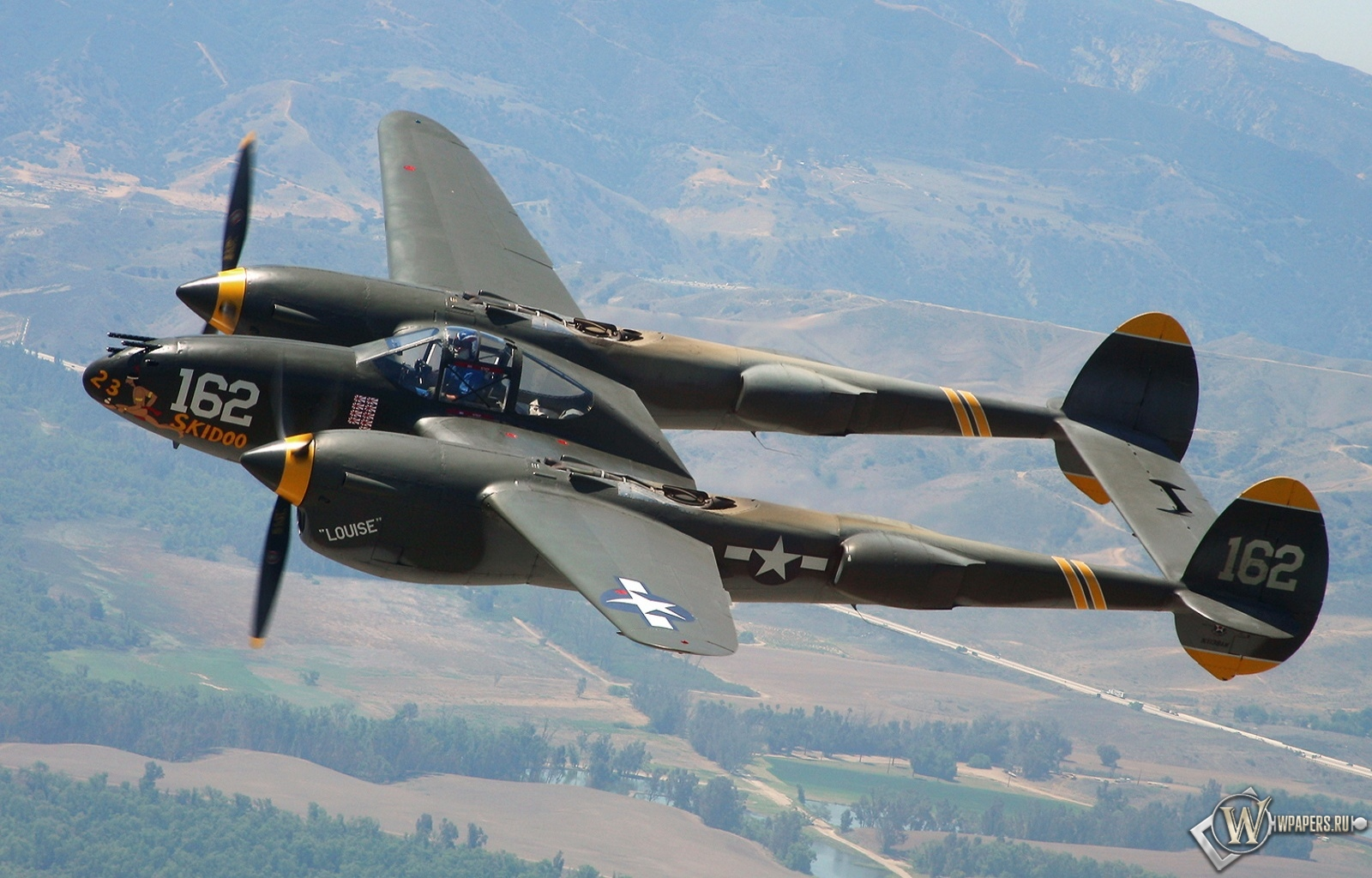 P-38 Lightning 1600x1024